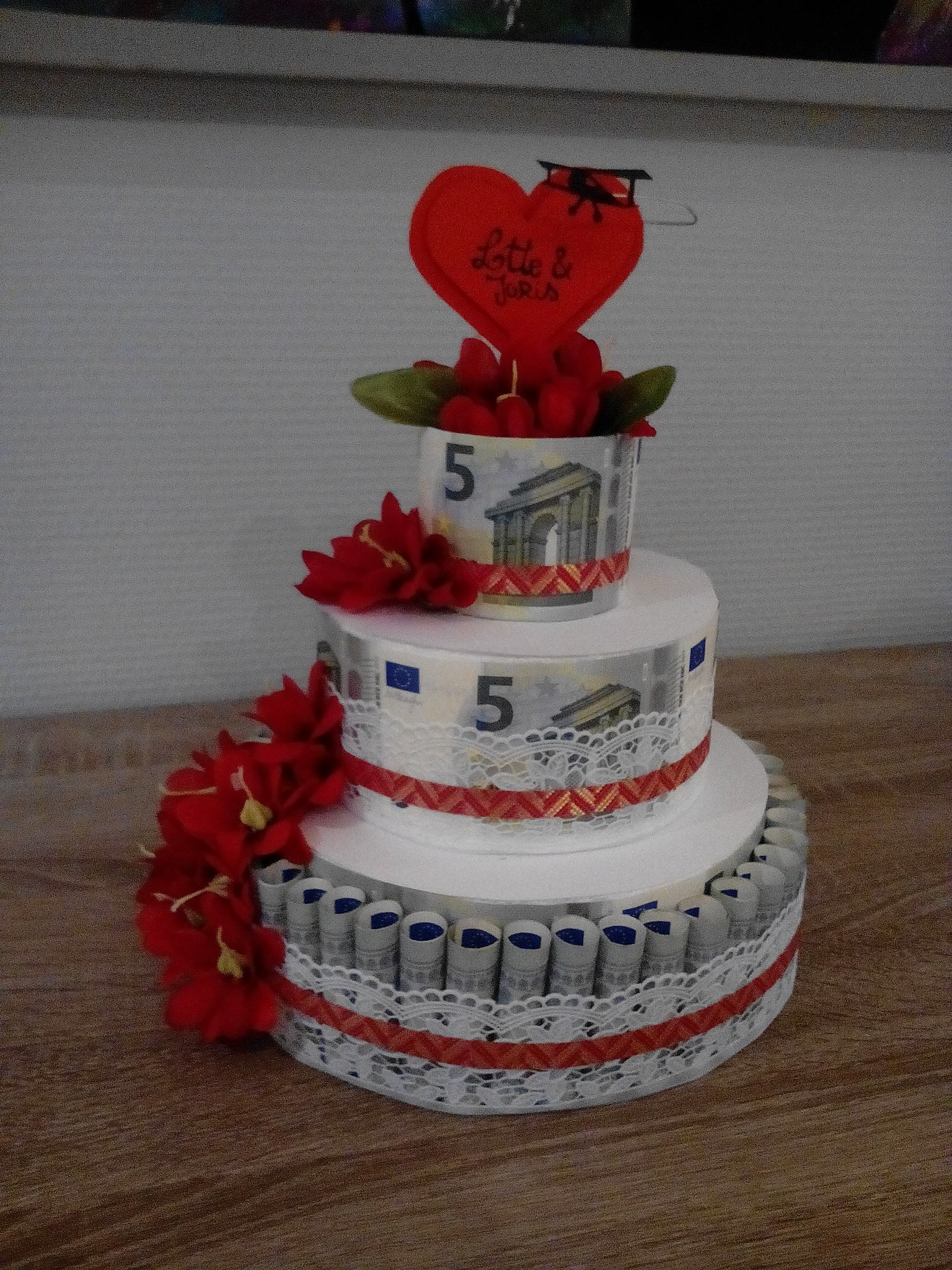 Money weddingcake